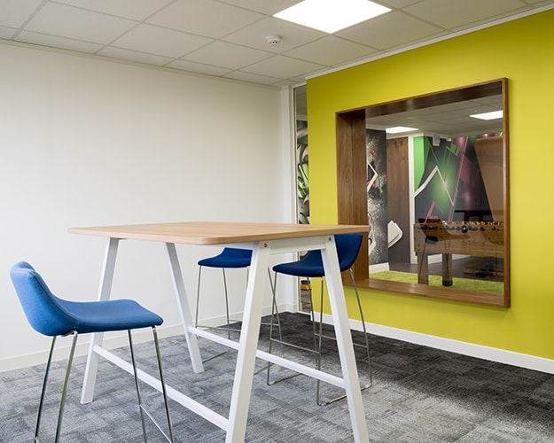 Proici Showroom - High Bench Tall table High Seating Space Mobile