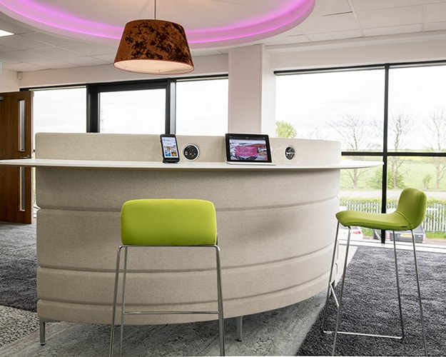 Proici Showroom - Free Standing Seating and Desk